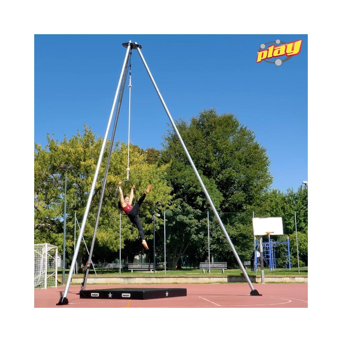Tripoide autoportante per danza e acrobatica aerea